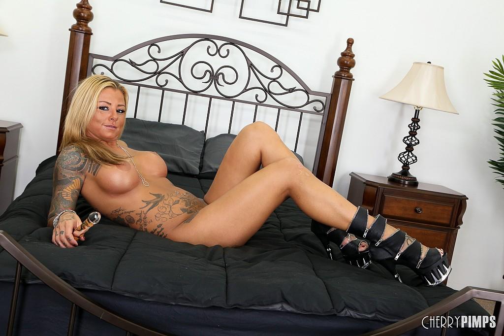 tanned-blonde-slut