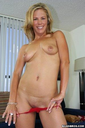 Kayla Synz Fisting