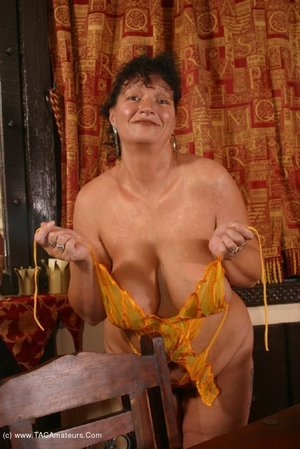 Mature kims amateurs united