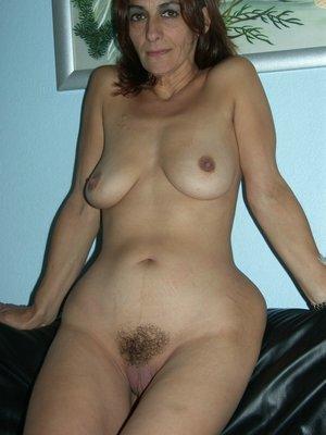 Cougar Jolanda from United Kingdom Sofa Sex