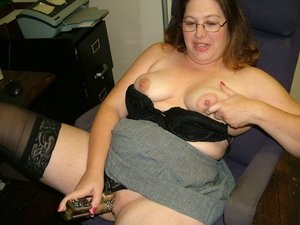 Curvy Cute Milf Amy from United States