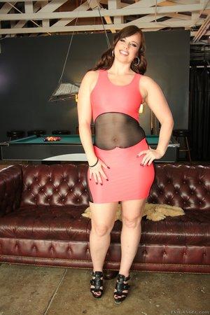 Luscious hottie alluring body