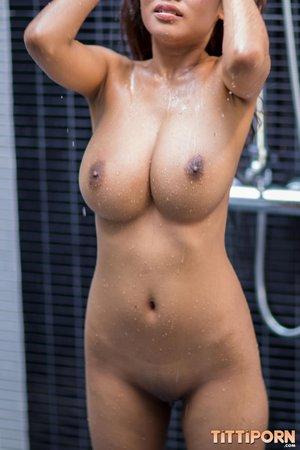 Teen natural tits shower