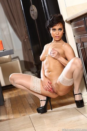 Flexible mature exotic babe