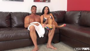 Smoking hot older bitch lets a horny guy stick his little prick deep in her