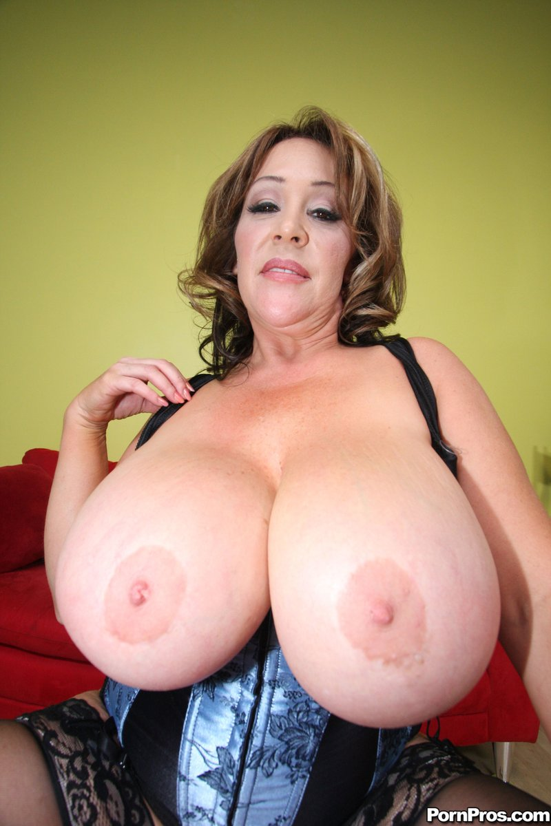 Huge Boobs Bbw Milf