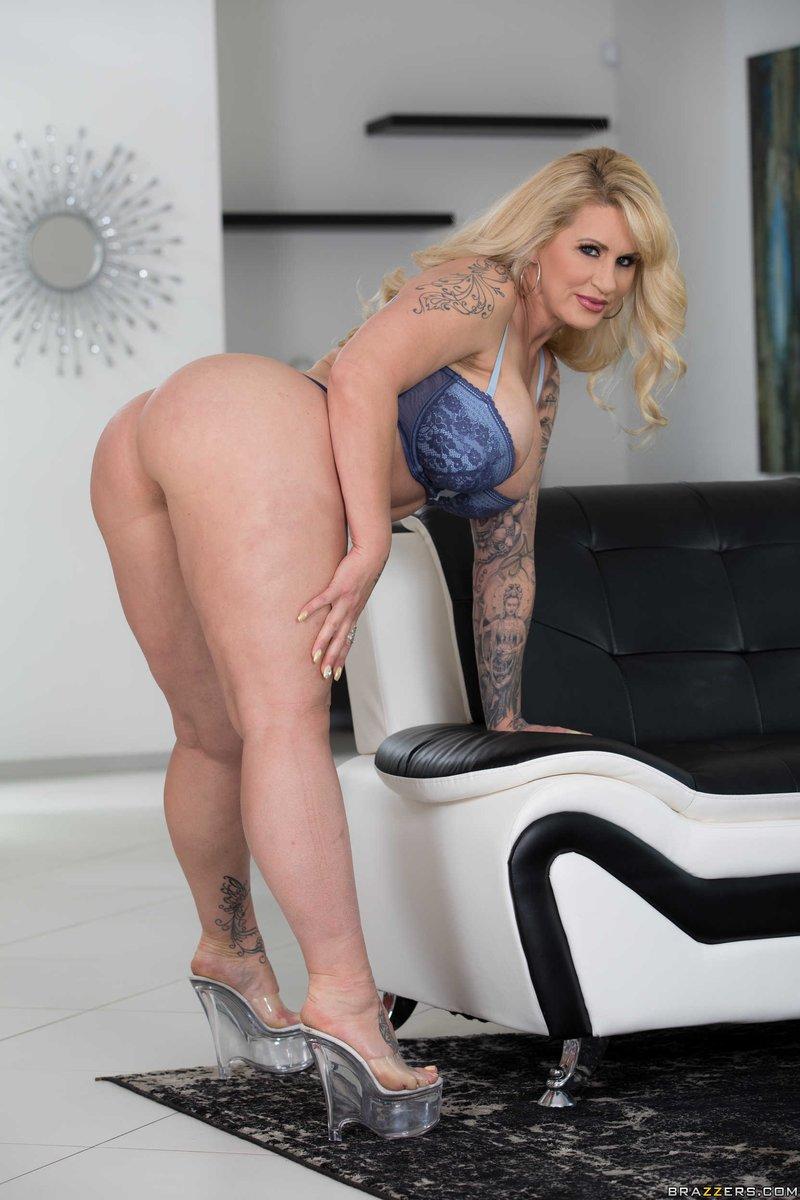 Blonde Milf Anal Casting