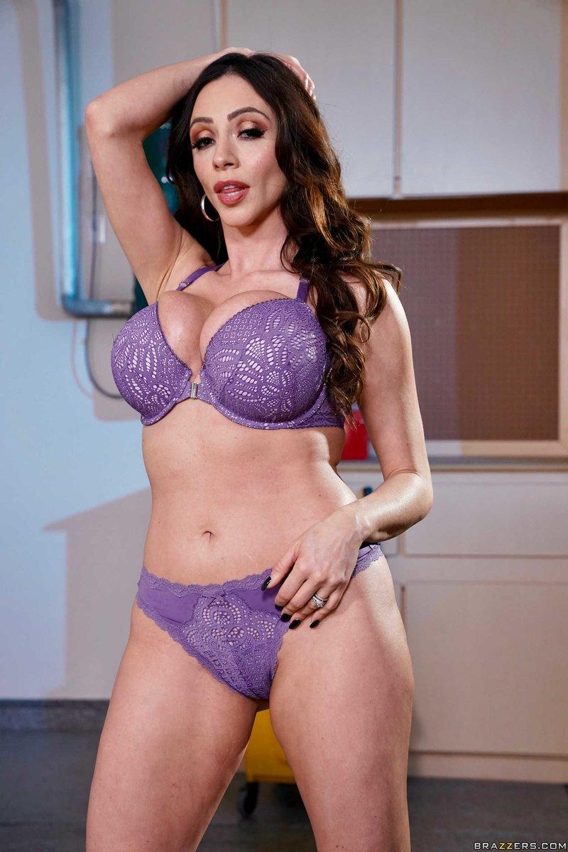 Latina Brunette Milf Brazzers - Pornpictureshqcom-8419