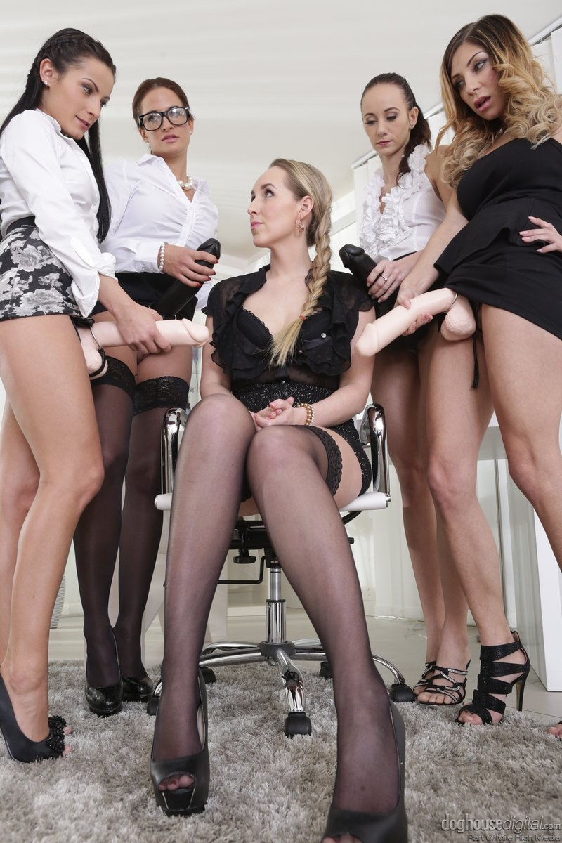 Lesbian gangbang pictures