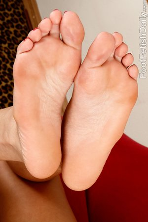 Interracial foot fetish