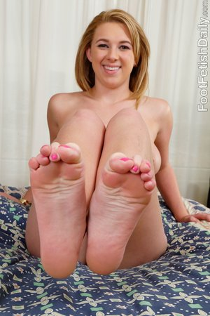 Brunette foot fetish