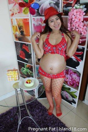 Pregnant hot asian mom