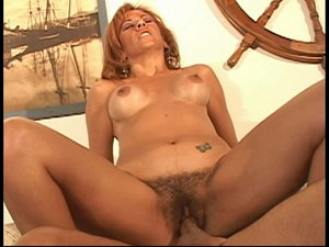 Mature hairy pussy fuck