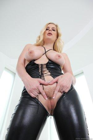 Big butt anal acrobats