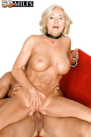 Busty hot mom anal