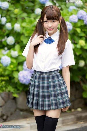 Cute japanese upskirt no panties