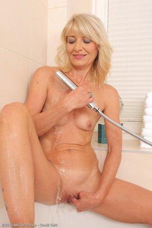 Shower toned masturbation