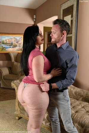 Big ass mature blowjob