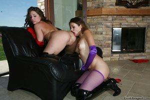 Lesbian milf blowjob