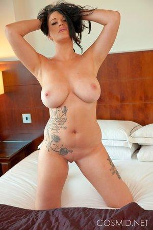 Amateur naked big tits