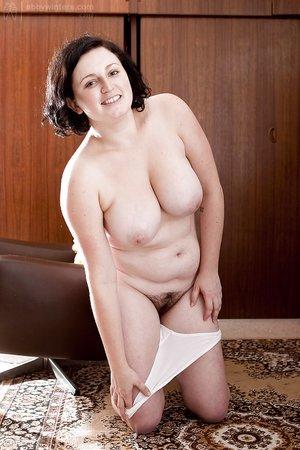 Natural mature big tits