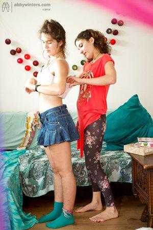 Lesbian brunette teen amateur